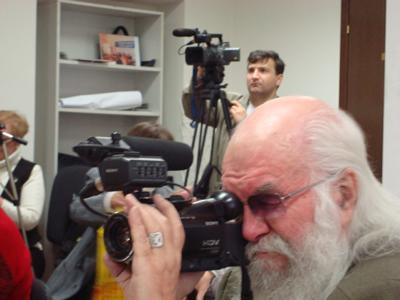 17 сентября 2008 года. Москва. Пресс-конференция на тему: «Правозащитники подали заявление в Гаагский Трибунал и Международный уголовный суд на В.ПУТИНА и Д.МЕДВЕДЕВА по делу Григория ГРАБОВОГО»