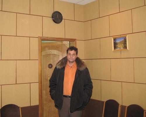 У этих часов в приёмной начальника ИК-6 «Обухово» адвокаты часами ждут разрешения на встречу с подзащитным Грабовым Г.П., но встречи им не дают.
